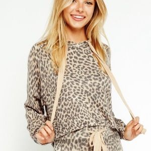 OLIVACEOUS | cropped leopard print soft hoodie